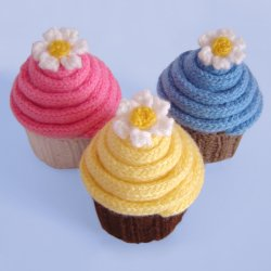 Knitting Patterns For Cupcake Wool : 1000+ images about toys on Pinterest